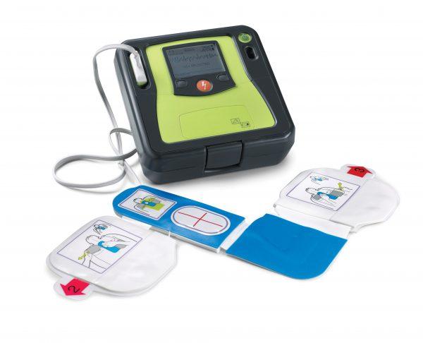 2017/09/Defibrillator-AEDPro-mit-Elektroden.jpg