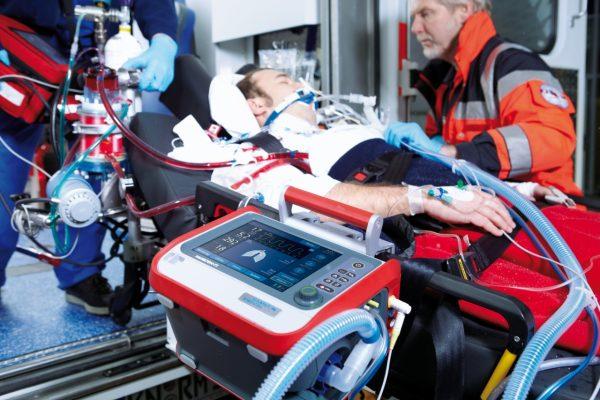 2021/08/HAMILTON-T1-intubated-patient-paramedic-ambulance-boarding.jpg.2016-01-20-10-04-33.jpg